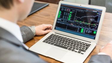 vai īstermiņa kripto tirdzniecībai vajadzētu izmantot tirdzniecības skatu kā dienu tirgot kriptonauda?