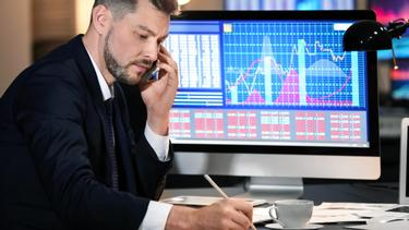 Image result for How do the pro traders make a consistent profit