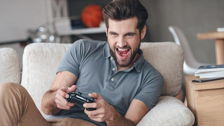 how to invest in gaming stocks