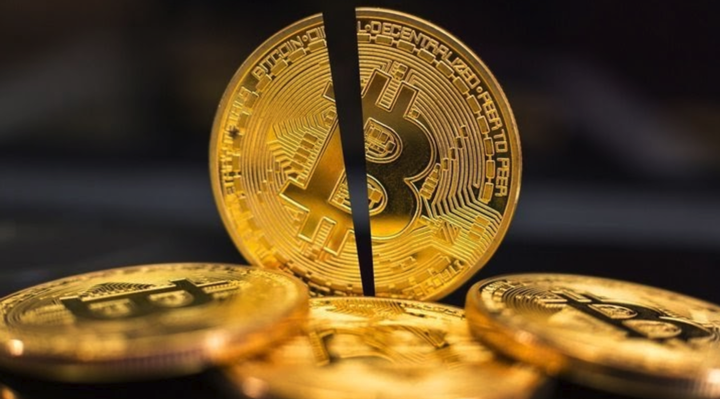 bitcoini poolitamine toimub mai kuus 2020