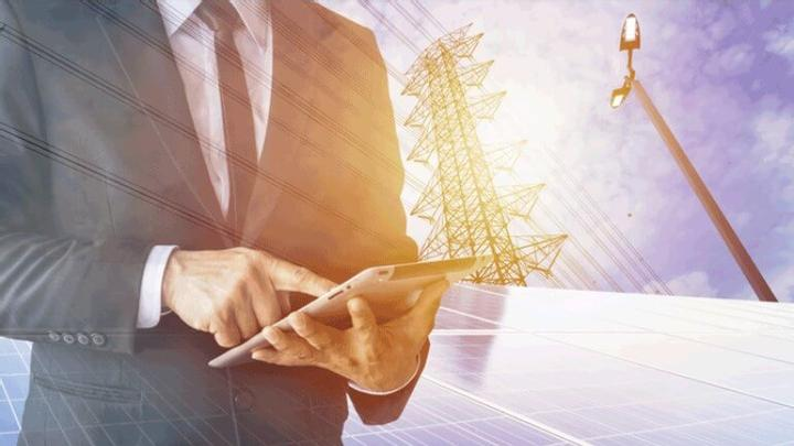 Акции на соларни компании: Как да инвестирате в тях?