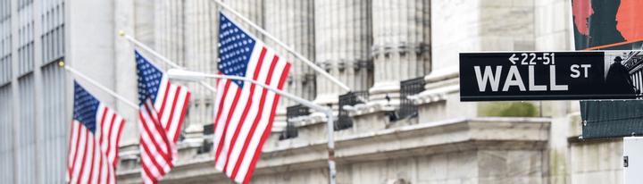 Bourse de Wall Street : Guide au Cœur de l'Industrie Financière Américaine Admirals