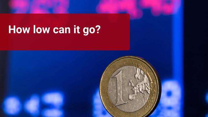 EUR sinks on worsening economic data