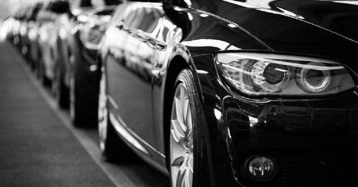 تداول سهم بي ام دبليو BMW - من قد يكون مهتماً بذلك؟