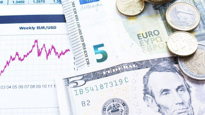 U.S. dollar consolidated at its lows