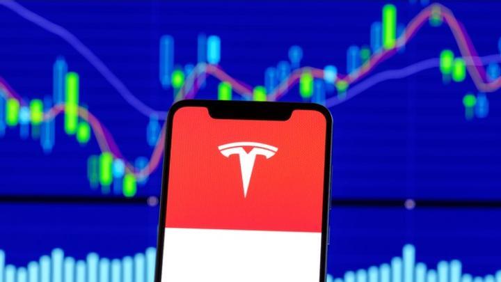 Акции на Тесла: Как да се възползвате от възхода на компанията на Илон Мъск?